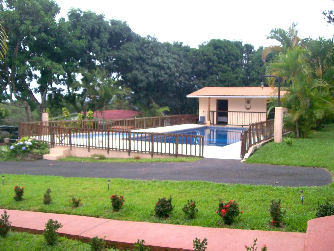 Costa rica live immobilienangebote for Badepools garten